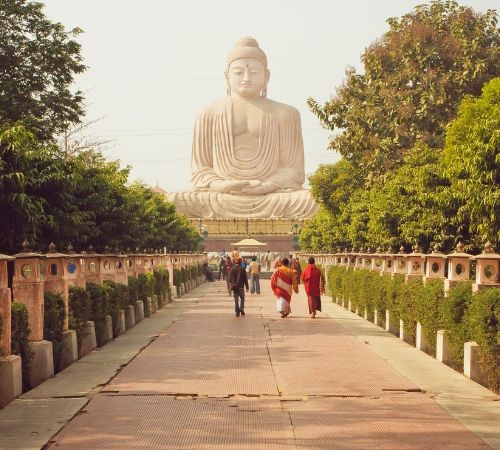 Divine Tours with Buddhist Myths